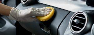 تمیزی داشبورت خودرو